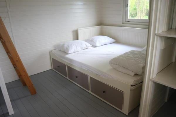 Pipowagen Vlinder binnenkant slaapkamer